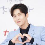 "<span class=""title"">【授賞式への参加…❓❗】 キム・ソンホ 『2021 Asia Artist Awards』 人気投票で1位をキープ✨</span>"